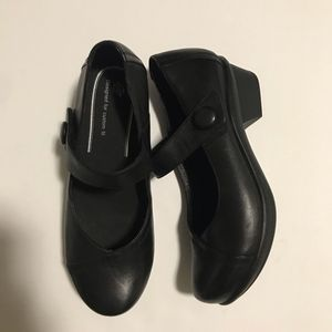 Abeo leather slip on Cate strap black shoes